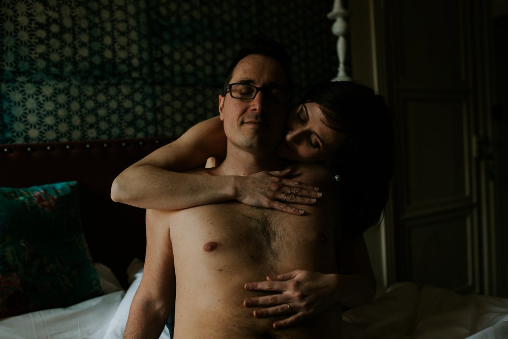 photographe-seance-couple-intimiste-cocooning_0028.jpg