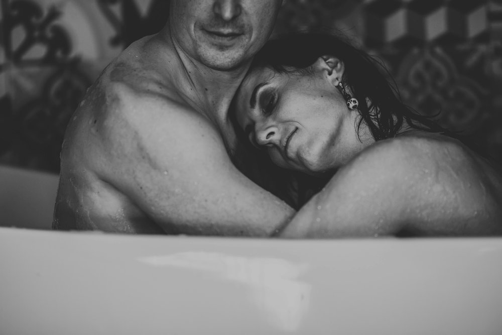 photographe-seance-couple-intimiste-cocooning_0049.jpg