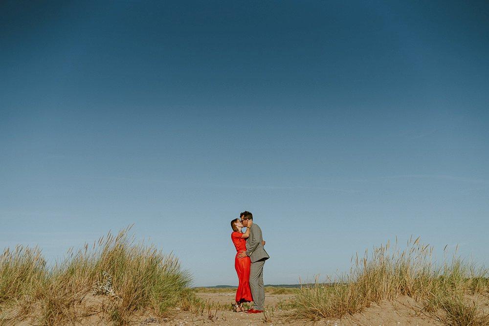 seance-photo-couple-rock-plage-normandie_0061.jpg