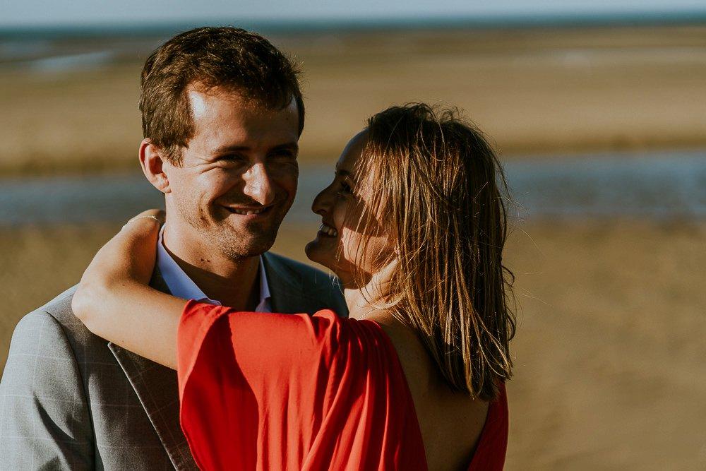 seance-photo-couple-rock-plage-normandie_0071.jpg