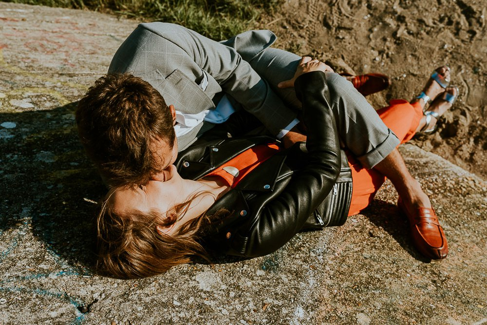 seance-photo-couple-rock-plage-normandie_0078.jpg