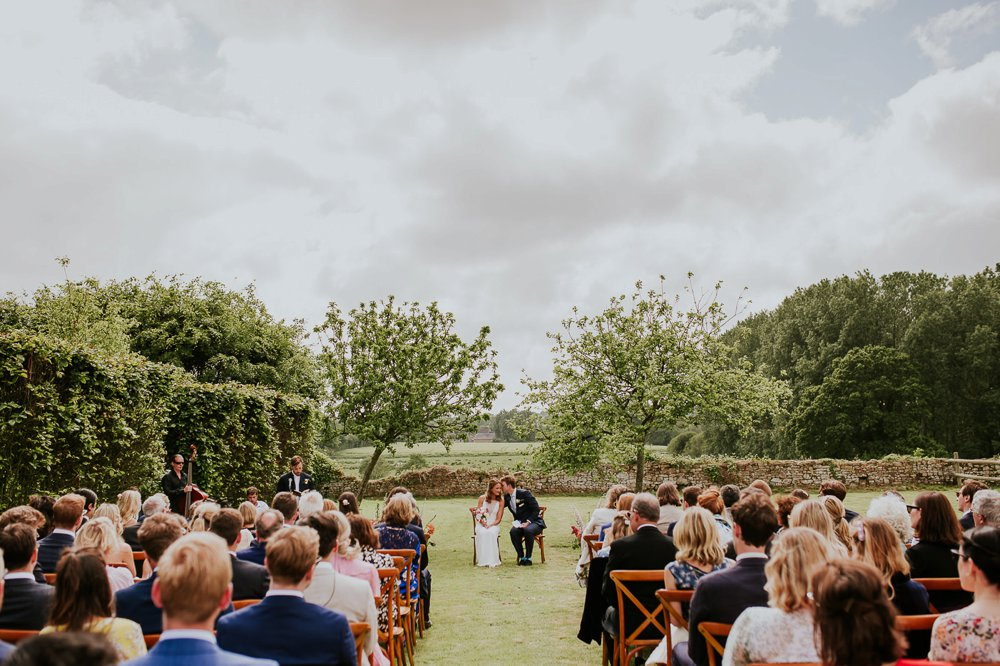 photographe-mariage-ceremonie-laique-exterieur-normandie_0010.jpg