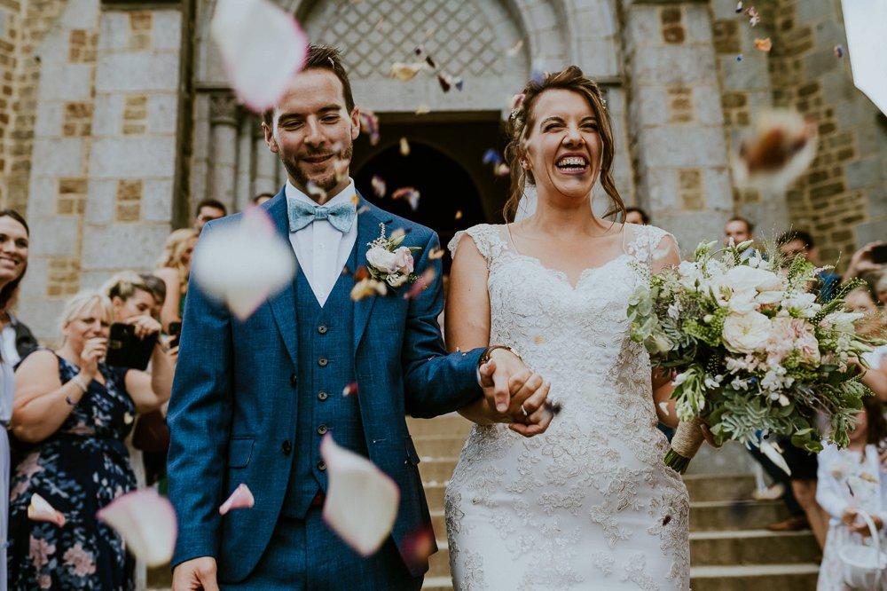 photographe-mariage-sortie-eglise-normandie_0001.jpg