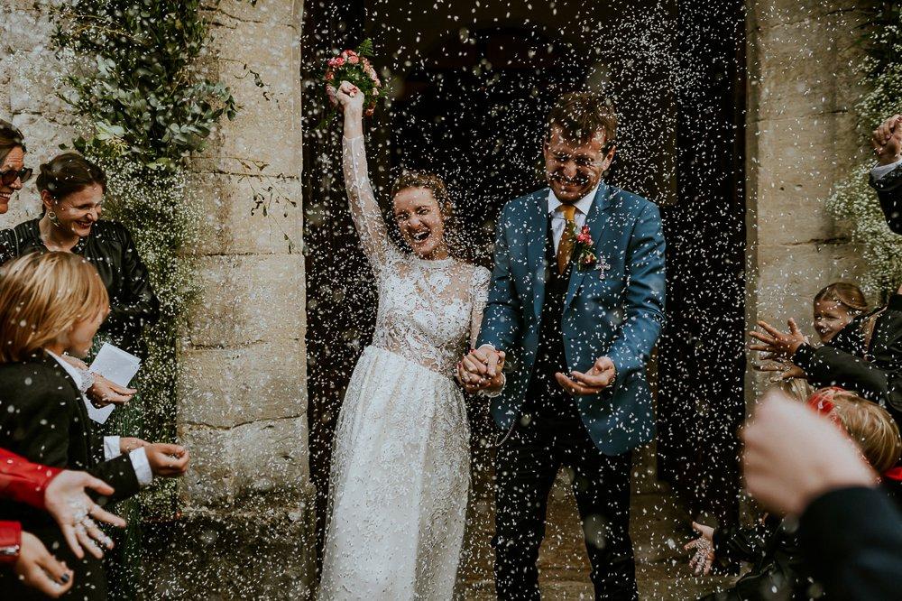 photographe-mariage-sortie-eglise-normandie_0002.jpg