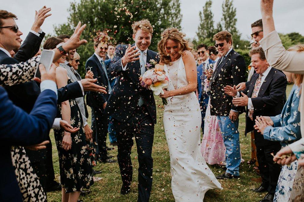 photographe-mariage-sortie-eglise-normandie_0006.jpg