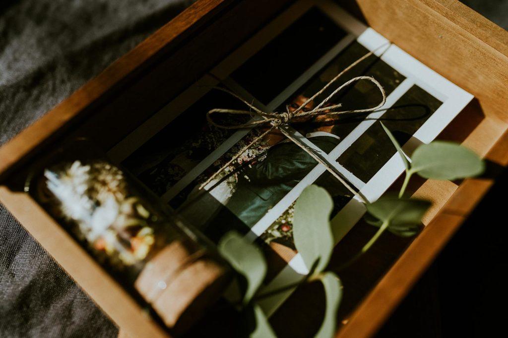 packaging photographe de mariage en bois
